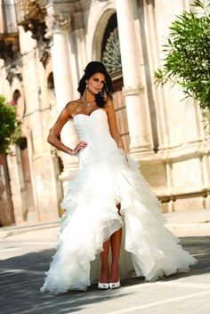 http://www.mariages.net/articles/10-robes-de-mariee-courtes-2014--c5336