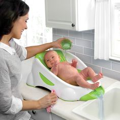 Clean water in, dirty out This secure infant bather works on the counter or tub, letting clean water flow in and dirty water out, so it's a calm and happy bathing environment for both of you.