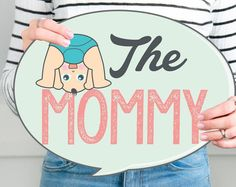 Family Props Baby Shower photo booth (English version) for a baby Boy Baby Shower Photo Booth, Fotos Baby Shower, Baby Shower Signs, Loteria Para Baby Shower, Baby Shawer, Baby Girls, Baby Shower Winter, Funny Photos, Baby Photos