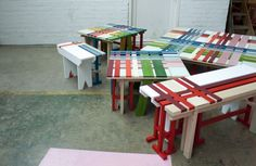 Pallet Designs Colored pallet tables - You might remember Raw Edges' plaid bench from the Bench 10 Exhibition last year in London. This year, they've upped the ante and created the PlaidBench Co Palet Projects, Wood Projects, Projects To Try, Pallet Crafts, Wood Crafts, Diy Crafts, Pallet Designs, Bench Designs, Pallet Ideas