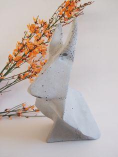 Origamihase aus Beton von moij design