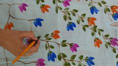 Fabric Painting On Clothes, Fabric Paint Shirt, Painted Clothes, Silk Painting, Fabric Art, Fabric Colour Painting, Painting Art, Saree Painting Designs, Fabric Paint Designs