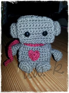robbi robot. :) // amigurumi // crochet