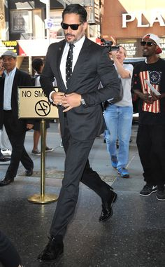 Joe Manganiello boosted the chic factor with a perfectly tailored suit, sleek black sunnies and slicked-back tresses!