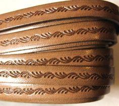 Nahkanauha litteä 10 mm köynnöskuvio ruskea Kirjohelmi