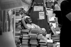 The book seller in Baghdad 2011 #Photography #Documentary #Iraq #Baghdad  #merchant #people