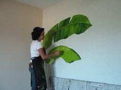 pousada Brava Club | Argina Seixas Tropical Wall Decor, Tropical Art, Wall Painting Decor, Mural Wall Art, Garden Mural, Jungle Art, Found Object Art, Paintings I Love, Paint Furniture
