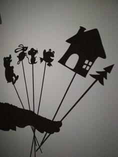 Boudo budko, kdopak v tobě přebývá? Stínové divadlo. Shadow theatre.