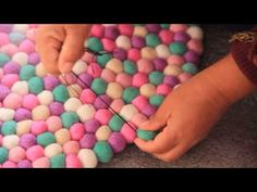 How to make mint felt ball rug., My Crafts and DIY Projects Money Making Crafts, Crafts To Sell, Felt Diy, Felt Crafts, Cotton Ball Crafts, Diy Arts And Crafts, Diy Crafts, Diy Tapis, Felt Ball Rug