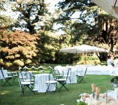 L'eleganza degli arredi da giardino bianchi a Villa Frua, Stresa