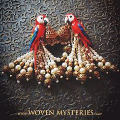 Feeling festive? Rejoice with the marvellous colours of our exquisite handcrafted WM Silver Parrot Earrings! These vibrant creations come with detachable tassels to best fit the occasion.
