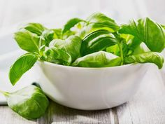 10 Great Ways to Use Up Fresh Basil #BasilRecipes #HowTo