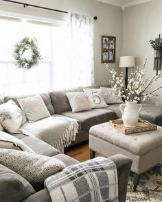 33 Interesting Furniture For Modern Farmhouse Living Room Decor Ideas. If you are looking for Furniture For Modern Farmhouse Living Room Decor Ideas, You come to the right place. Cozy Living Rooms, New Living Room, My New Room, Apartment Living, Home And Living, Living Room Furniture, Living Area, Modern Living, Small Living