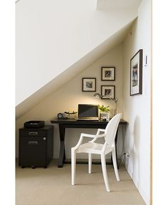 Small room decor ideas for when you're short on space. This is the perfect use of space and has everything a small office in an even smaller footprint...