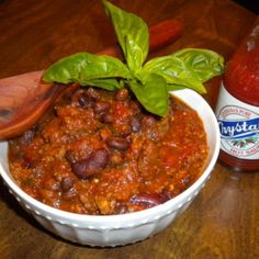 Crockpot Gameday Moose Chili - sounds good, tho I will be trying with hamburger :) Moose Recipes, Wild Game Recipes, Venison Recipes, Chili Recipes, Meat Recipes, Slow Cooker Recipes, Crockpot Recipes, Venison Meals, Healthy Slow Cooker