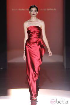 Fabulous Dresses, Beautiful Outfits, Nice Dresses, Formal Dresses, Fashion 2020, Runway Fashion, Fashion Show, Fashion Design, Gala Dresses
