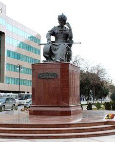 Shah Ismail I, statue in Baku