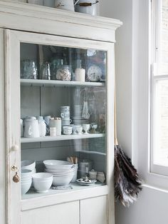 White dining room cupboard from Dream Rooms magazine | The Relaxed Home