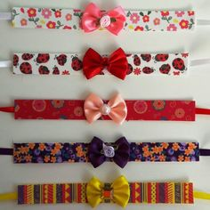 Gargantilha em EVA decorado (10 unidades) - Lacinhos CJ Fancy Dog Collars, Wonder Pets, Secret Life Of Pets, Pet Fashion, Pet Bowls, Love Pet, Dog Bandana, Pet Clothes, How To Make Bows
