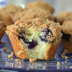 These Blueberry Muffins with crumb topping are just heavenly. They are slightly crunchy on the outside, sweet and soft on the inside and plump full of sweet juicy blueberries with a delectable sweet cinnamon crumb topping. Best Blueberry Muffins, Strawberry Blueberry, Blue Berry Muffins, Blueberry Recipes, Muffin Recipes, Cake Recipes, Dessert Recipes, Desserts, Dinner Recipes