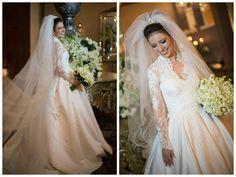 Noiva   Bride   Vestido   Dress   Vestido de noiva   Wedding dress   Bride's dress   Inesquecivel Casamento   Renda   Rendado   Vestido rendado   Véu   Véu de noiva   Grinalda   White dress   Vestido bordado   Bordado   Decote   Vestido manga comprida