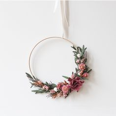 Discover recipes, home ideas, style inspiration and other ideas to try. Etsy Embroidery, Simple Embroidery, Embroidery Hoop Art, Deco Floral, Arte Floral, Dried Flower Wreaths, Dried Flowers, Diy Fleur, Make Your Own Wreath