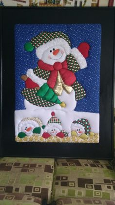 Discover recipes, home ideas, style inspiration and other ideas to try. Felt Christmas, Christmas Snowman, Christmas Crafts, Christmas Decorations, Xmas, Christmas Ornaments, Patchwork Baby, Crazy Patchwork, Doll Quilt