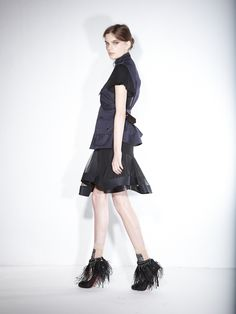 http://www.fashion-press.net/collections/gallery/1311/9679