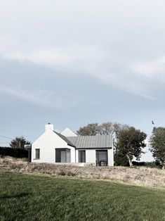 Louise Sliney Architects MRIAI |Cork | Kinsale Modern Barn House, Modern Bungalow House, Rural House, House Designs Ireland, Cottage Extension, Building Extension, Farmhouse Renovation, Two Storey House, Construction
