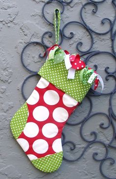 Don't love the ribbons, but I like the different sized polka dots.