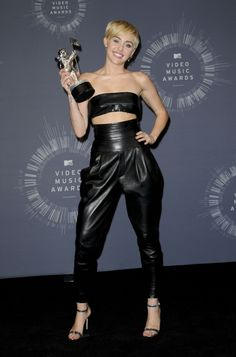 Miley Cyrus at the 2014 MTV Video Music Awards in Alexandre Vauthier, Aug. 24, 2014. #mileycyrus #celebrity #alexandrevauthier #redcarpet Miley Tattoos, Mtv Video Music Award, Music Awards, Miley Cyrus Style, Red Carpet Looks, Most Favorite, Hollywood Stars, Leather Pants, The Incredibles