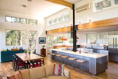 Glamorous-Led-Chandelier-look-Denver-Contemporary-Kitchen-Image-Ideas-with-beams-clerestory-windows-counter-stools-dining-chairs-dining-table-high-gloss-kitchen-pendant-lighting.jpg (990×660)