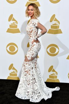 Photos of Grammy red carpet celebrity fashion from over the decades, including looks from Brooke Shields, Jennifer Lopez, Selena Gomez and Lady Gaga. Beyonce Red Carpet, Grammy Red Carpet, Miroslava Duma, Most Beautiful Dresses, Nice Dresses, Fabulous Dresses, Gorgeous Dress, Club Dresses, Gorgeous Women