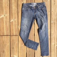 "BULLHEAD Super Skinny Jeans Soft and comfortable. Waist is 15"" measuring from side to side with garment lying flat. 7.5"" rise. 30"" inseam. (Modeled photo from sites.google.com illustrates style and fit. Color is best represented by flat lay photos). 24J Bullhead Jeans Skinny"