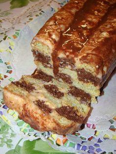 Aceasta prajitura este raspunsul la o provocare lansata de Mara Vlad pe un grup Dukan de pe facebook. Desi la prima vedere pare putin com...
