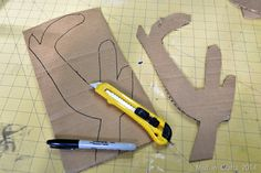cardboard antlers Frozen Halloween, Costume Ideas, Costumes, Frozen Costume, Classroom Crafts, Antlers, Reindeer, Homemade, Carnival