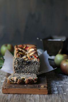Sesame-Almond Apple Cake
