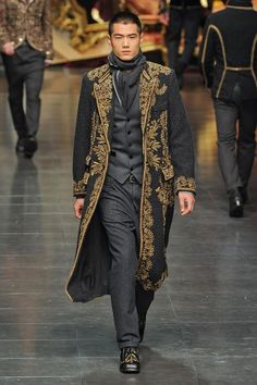 Dolce & Gabbana Fall/Winter 2012- I want this coat. Love the 18th c. influence.