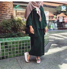 Hijaby Fashion Wear | Green Top & Maxi Skirt Ensemble | Elegant & Casual