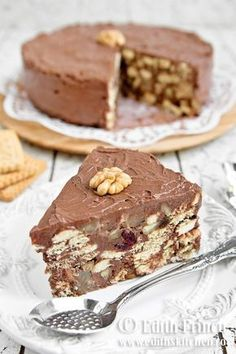 Cake recipes from romania Romanian Desserts, Romanian Food, No Cook Desserts, Just Desserts, Sweet Recipes, Cake Recipes, Yummy Treats, Yummy Food, Healthy Cake