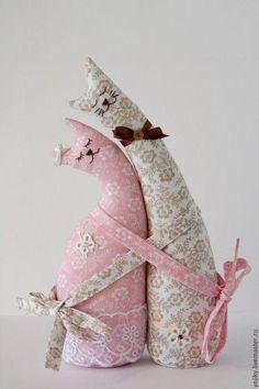 Lindos gatos de tecido decorativos