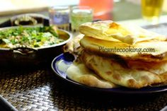 Наан - индийский плоский хлеб (Naan)