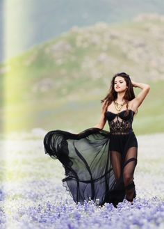 Image about girl in Selena is My Life *-* by ~Crazy For Selena ~ Selena Gomez Music Videos, Selena Gomez Tumblr, Selena And Taylor, Selena Gomex, Summer Outfits For Teens, Before Midnight, Marie Gomez, Hollywood Celebrities, Hollywood Girls