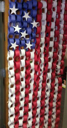 Check out this inspiring collection of 20 patriotic craft and decoration ideas. They re perfect for memorial day the of july all summer long. Here just a quick decoration the lighten up your holiday hope you enjoy. 4th Of July Decorations, Paper Decorations, Classroom Door Decorations, Fall Classroom Door, Classroom Curtains, Memorial Day Decorations, Library Decorations, School Decorations, Classroom Ideas