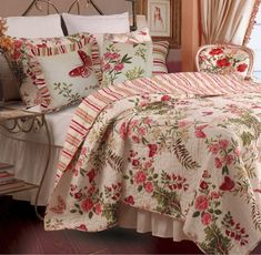 Full / Queen size Piece Cotton Quilt Set Crimson Clover Floral - Hot Home Goods Plum Bedding, Chic Bedding, Ruffle Bedding, Linen Bedding, Bed Linens, Kohls Bedding, Autumn Bedding, Modern Bedding, Duvet