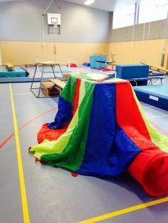 Circus tunnel/ verstop-plek # ouder-kindgym & kleutergym