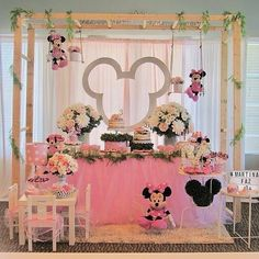 Linda festa no tema Minnie Rosa! Vi no: @festasanimae Por: ??? #Festainfantil #FestaMinnieRosa #MinnieRosa #Minnie #Rosa #FestaMenina