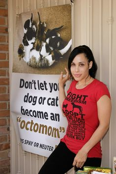 """Octomom"" Unveils Banner Pushing Cat And Dog Birth Control"