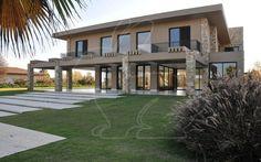 Prontos para Morar Residencial Cond. Quinta da Baronesa Casa em Condomínio 8 dormitórios 3707.53 metros 10 Vagas   Coelho da Fonseca