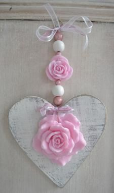 8 Sharing Clever Tips: Shabby Chic Bathroom Signs shabby chic chairs annie sloan.Shabby Chic Home Products. Shabby Chic Crafts, Shabby Chic Cottage, Shabby Chic Homes, Shabby Chic Style, Shabby Chic Decor, Manualidades Shabby Chic, Valentine Crafts, Valentines, Decoration Shabby